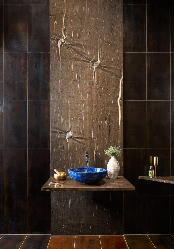 bathroom design by jh Design Interiors